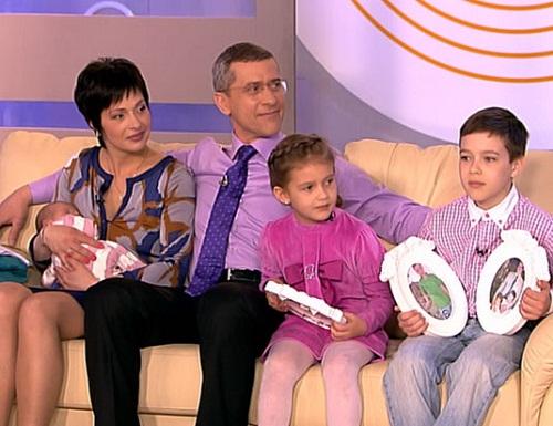 Дмитрий Шубин с женой и детьми фото