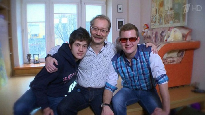 Андрей Продеус с сыновьями