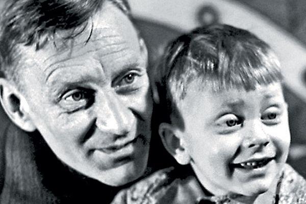 Валентин Смирнитский в детстве с отцом фото