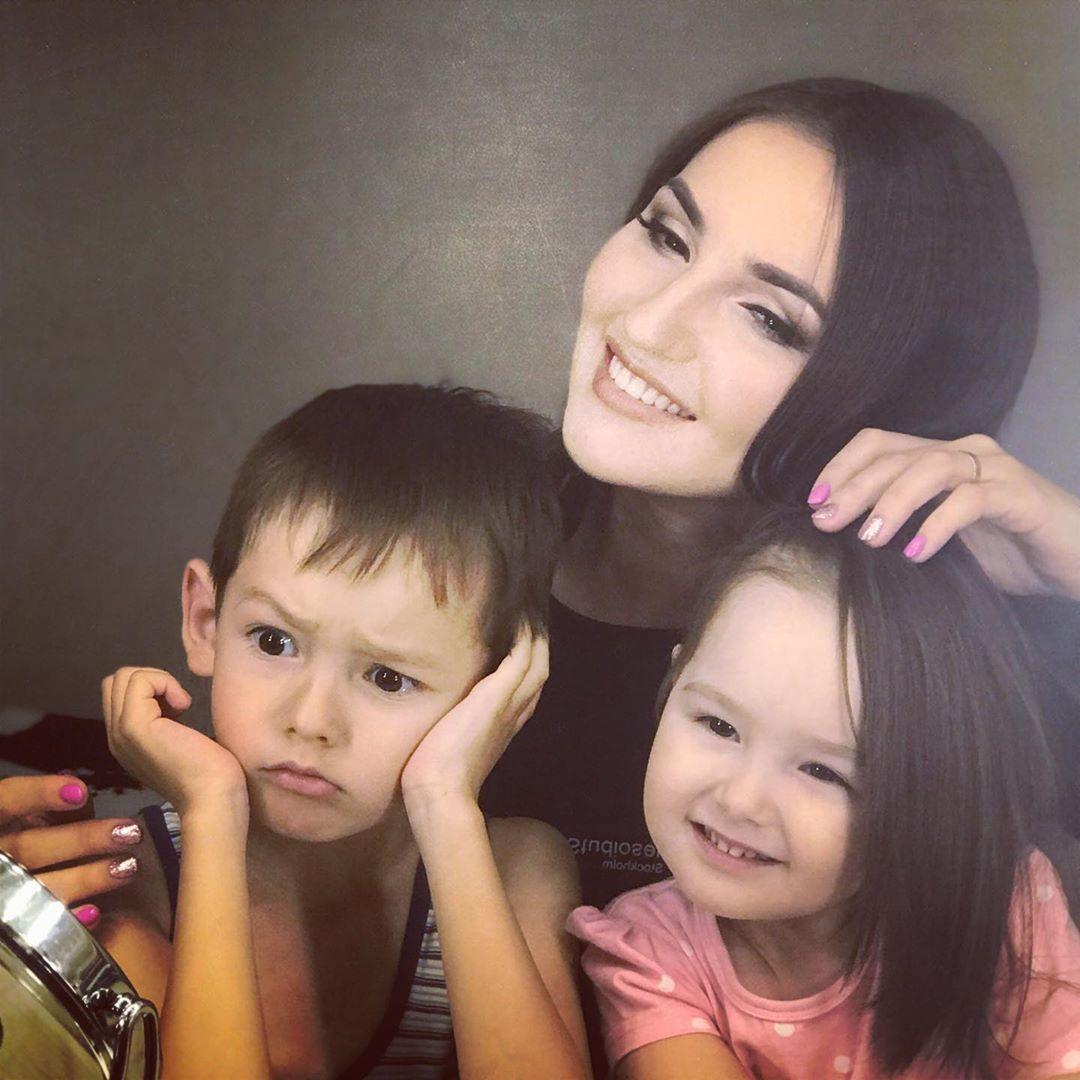 Ильмира Нагимова с детьми
