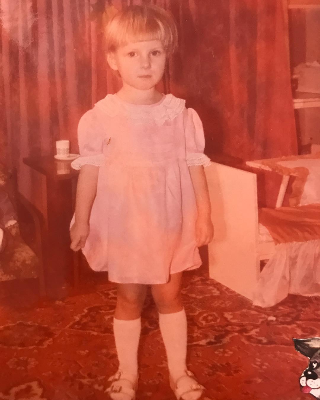 Алена Погребняк в детстве