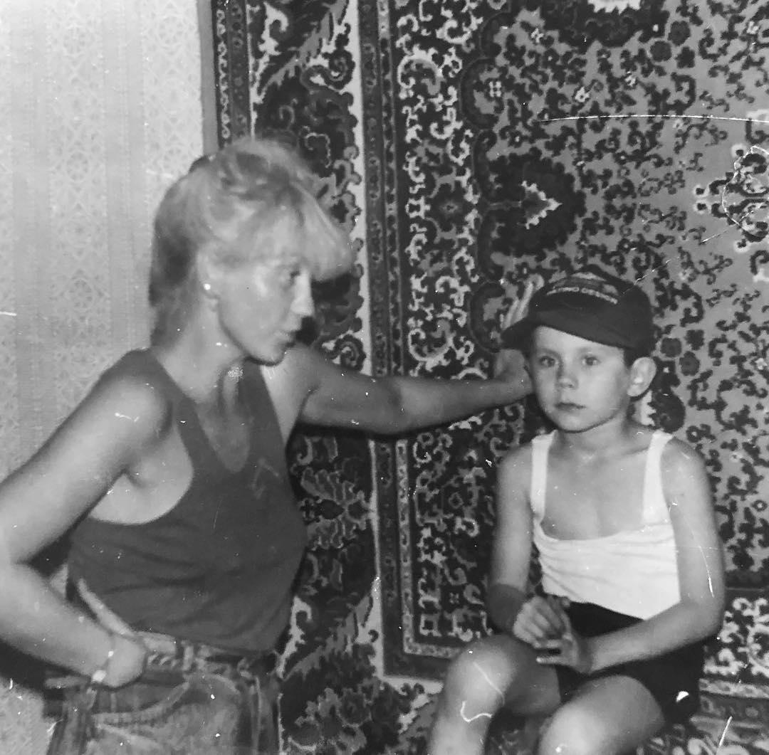Ян Топлес детские годы