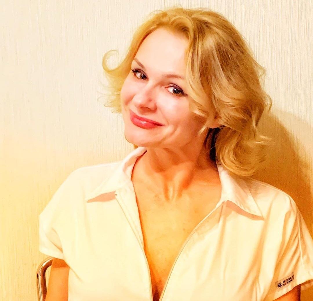 Елена Тихомирова: биография, личная жизнь, муж, дети