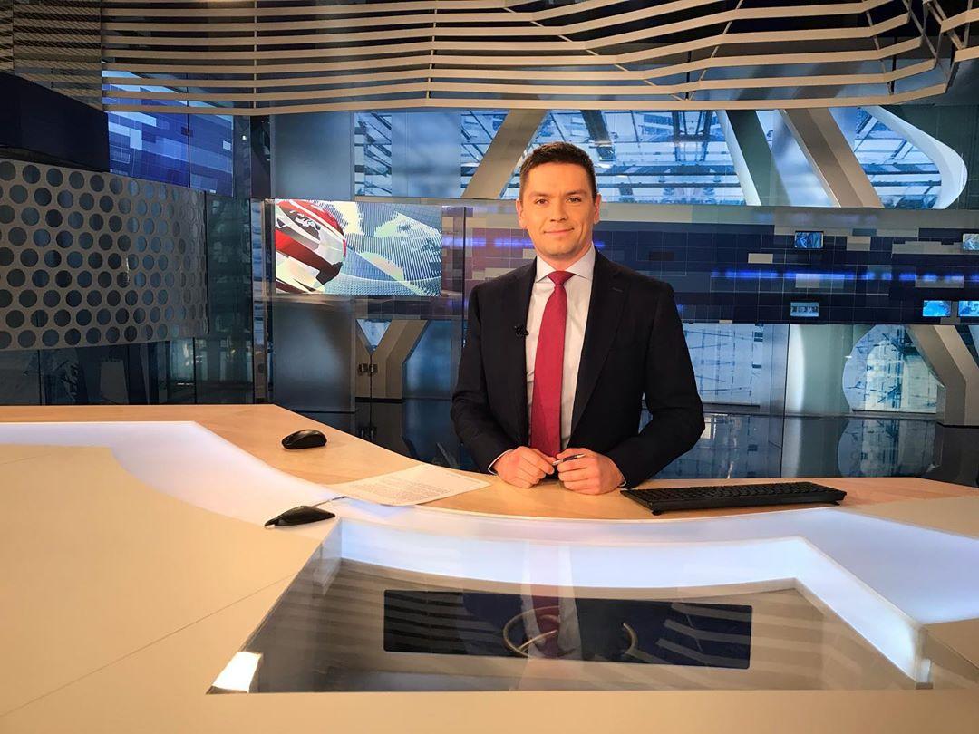 Телеведущий на Первом канале Александр Мальм, его биография и личная жизнь.