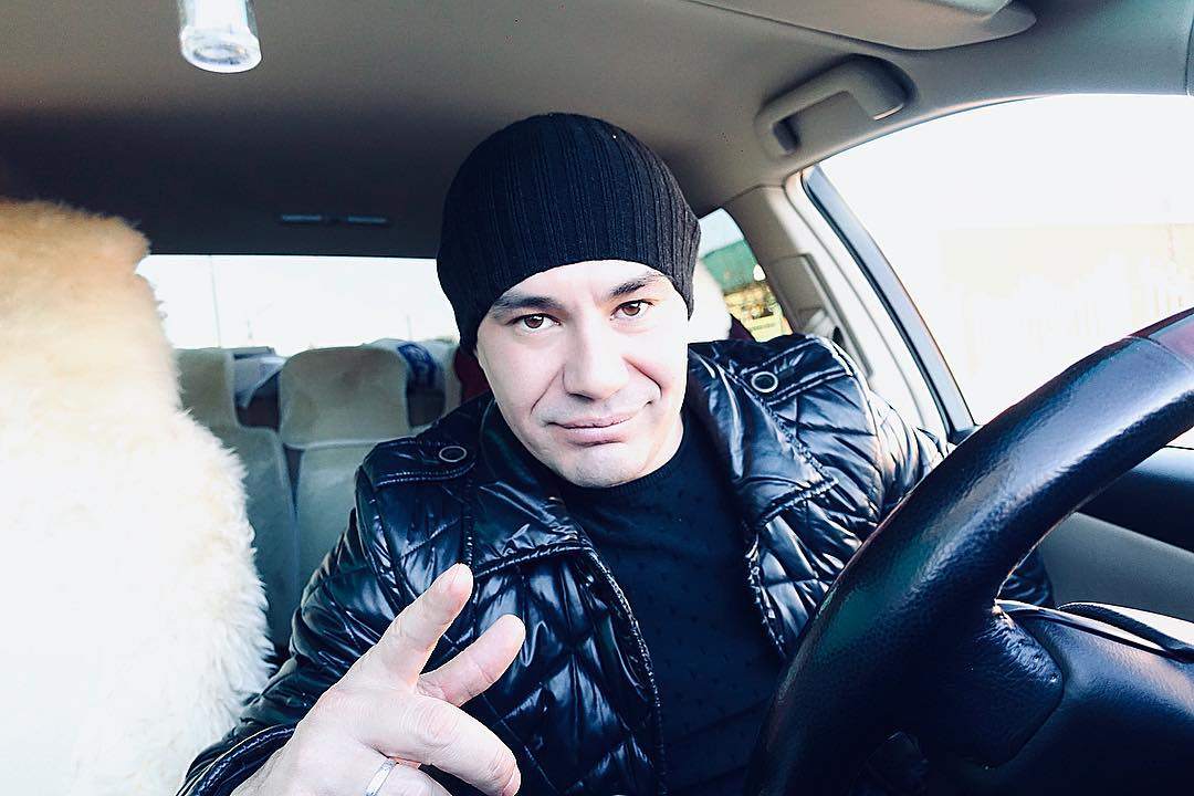 Татарский певец Ильшат Яппаров, его биография и личная жизнь.