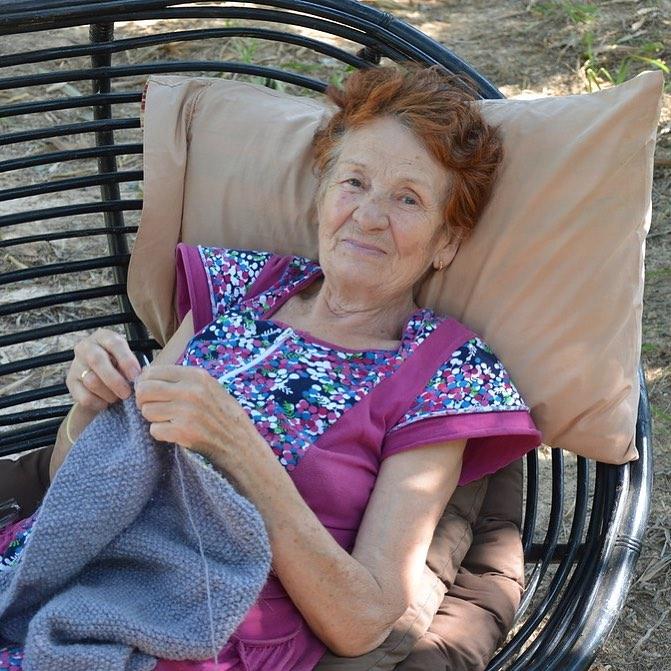 Мама Виталия Сундакова