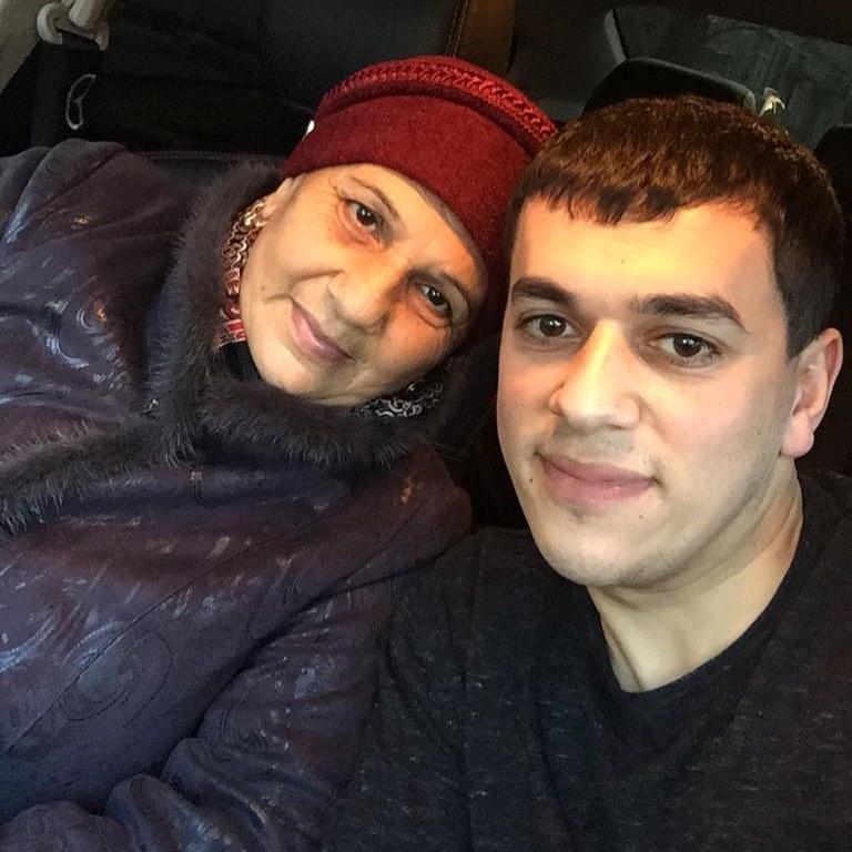 Сакит Самедов с мамой