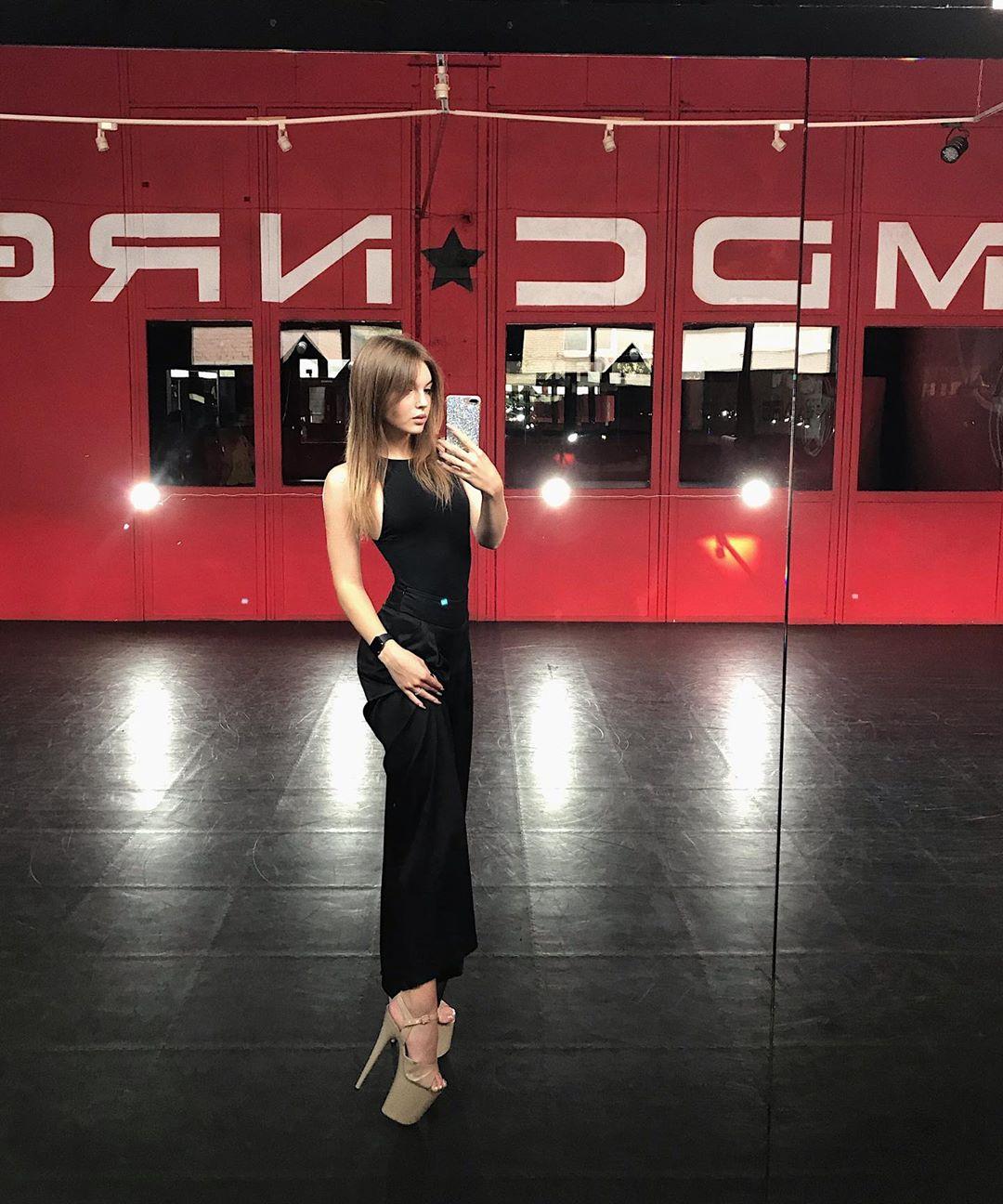Даша Попова: биография участницы проекта «Танцы» на ТНТ